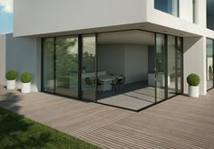 Sliding Reynaers aluminium doors can now stretch over seven metres in length
