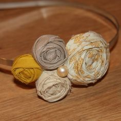 bridesmaids head bands! Rosette Headband, Headband Hair, Cute Headbands, Fabric Headbands, Lace Flowers, Fabric Flowers, Couture Accessories, Diy Craft Projects, Crafts