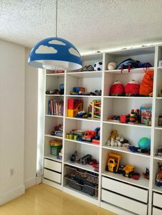 Making a Pax Room in the Living Room - IKEA Hackers I built the Pax Room, a room in the living room entirely out of IKEA Pax closets, without any construction material other than furniture and it's movable Ikea Boys Bedroom, Ikea Kids Room, Girl Bedroom Walls, Kid Bedrooms, Girl Rooms, Loft Playroom, Playroom Storage, Living Room Storage, Ikea Pax Closet