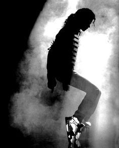MJ: King of Pop and an amazing dancer!