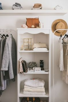 13 Bedrooms Turned Into the Dreamiest of Dream Closets A bedroom-turned-closet space from Quentin & Co. Small Space Living, Small Spaces, Bedroom Turned Closet, Casa Clean, Small Space Solutions, Closet Solutions, Dream Closets, Open Closets, Closet Space