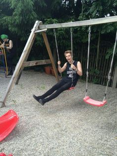 "Imagine: ""Y/N, be a good girlfriend and come push me!"" (c) @5SOS_Imagining"