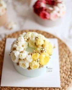 www.better-cakes.com  Any inquiries about BETTER  CLASS  Mailbettercakes@naver.com Linebetter_cake FacebookBetter Cake Kakaotalkleesumin222  #buttercream#cake#베이킹#baking#bettercake#like#버터크림케익#베러케이크#cupcake#flower#꽃#sweet#플라워케익#koreabuttercream#wilton#앙금플라워#디저트#buttercreamcake#dessert#버터크림플라워케익#follow#partycake#koreancake#taiwan#윌튼#instacake#꽃스타그램#컵케이크#instafood#flowercake