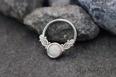 Tama Opal Captive Bead Ring