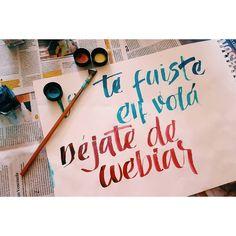 Al fin! Les dejo mi participación en el desafío #APuroColapen de la @ligadeletteringcl. Se me dió vuelta una #ecoline y terminé con las manos todas teñidas hahahha pero son detalles. #LigaDeLetteringCL #colapen #calligraphy #practice #letterlina #catigraphy #handwriting