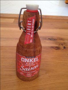 gedrechselte Bierflasche aus altem Eichenholz