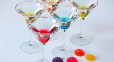 Gumdrop Cocktail ~ These gorgeous (and delicious!) cocktails look and taste just like the candy!
