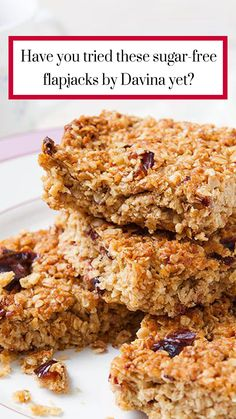 Davina s sugar-free flapjacks Tray Bake Recipes, Baking Recipes, Cookie Recipes, Dessert Recipes, Desserts, Dessert Bread, Drink Recipes, Healthy Flapjack, Flapjack Recipe