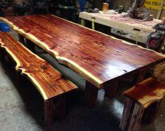 20 Ideas For Farmhouse Table Cedar Dining Rooms Cedar Table, Wood Slab Table, Wood Table Design, Dining Table Design, Rustic Table, Farmhouse Table, Dining Room Table, Dining Set, Stump Table