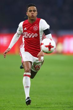Justin Kluivert Photos - Justin Kluivert of Ajax in action during the Eredivisie match between Ajax Amsterdam and ADO Den Haag held at Amsterdam Arena on January 2017 in Amsterdam, Netherlands. - AFC Ajax v ADO Den Haag - Eredivisie Soccer Players, Football Soccer, Bae, Afc Ajax, As Roma, Best Player, Extreme Sports, January 29, Amsterdam Netherlands