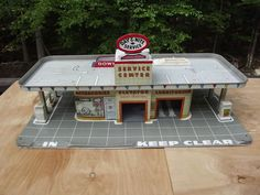 VINTAGE MARX TIN DAY AND NITE SERVICE CENTER GAS STATION TOY PLAYSET #Marx