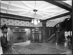 Hall,_stairs,_and_fireplace_at_Glen_Brae,_February_1940.jpg 550×419 pixels