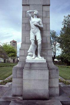 Cambridge soldier, Cambridge, New Zealand, by Auckland sculptor Richard Gross (1923)