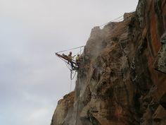 Trabalhos de Geotecnia na estabilização de uma encosta Utility Pole