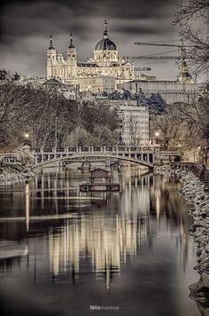 Puente de la Reina Victoria - Madrid, Spain