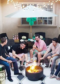Spend your summer evenings making s'mores with friends! Get more outdoor inspiration from Brittany of brittanyMakes on The Home Depot Blog.