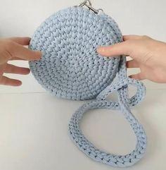 Diy Crochet Bag, Crochet Bag Tutorials, Crochet Cord, Crochet Pouch, Crochet Crafts, Crochet Projects, Crochet Backpack Pattern, Crochet Coaster Pattern, Crochet Purse Patterns