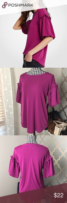 1cc4ac93b3e9b Ann Taylor bubble sleeve top! 💗 Only worn once! Super adorable bubble  sleeve top