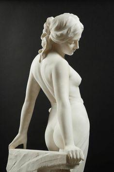 Detail - EMILIO FIASCHI (1858-1941) - VEILED FEMALE NUDE. Carrara marble, signed: E.FIASCHI. On its original green marble base. Total height: 204 cm .