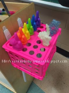 Pointer Holder using command hooks and a small crate! #TeacherHacks