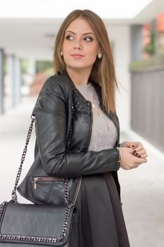 Autumn Outfit Ideas #ootd #midiskirt #leather #jacket www.ellysa.it
