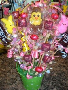 Crafts with Candy: Candy Bouquets of our Fans – How To Instructions From EdibleCraftsOnline.com!