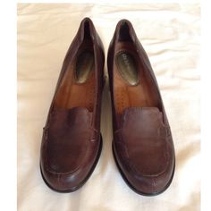✨NEW✨Hush puppies loafer heals Hush puppies are beyond the most comfortable shoe EVER, and for these heals that have never been worn, they're ready to show you just how comfortable they can be. Hush Puppies Shoes Heels