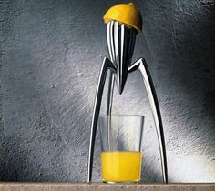 A truly iconic object and symbol not only of Philippe Starck but of Alessi itself, this citrus squeezer – as revolutionary as it is surprisingly functional – was sketched in its essentials by Starck during a holiday by the sea in Italy, on a pizzeria napkin.