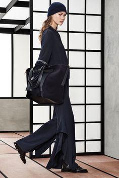 Max Mara Pre-Fall 2018 Fashion Show Collection
