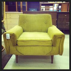 I'm in love with this 50's chair. Great design with a low back and seat. Am I up to another reupholstery job? What do you think? #1950'sfurniture #retro #thrifting #reuplorstering