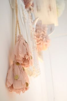 fabric tassels with gold emblishments (gold & pink) Gold Wall Decor, Deco Kids, Pink Images, Shades Of Peach, Scarlett, Pink Bedrooms, Yarn Wall Hanging, Creation Couture, Gold Walls