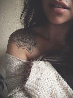 Pretty shoulder tattoo