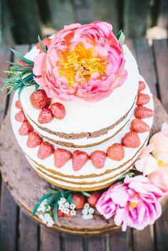 Wedding cake Budapest Naked Cake mini cake flower strawberry www.nekedcake.hu