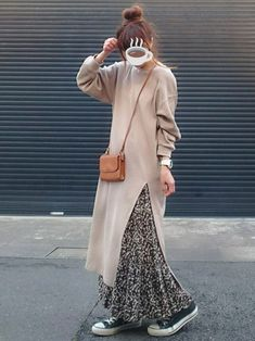 Pin by Syafinaz Sallehuddin on Pleats in 2020 Muslim Fashion, Modest Fashion, Skirt Fashion, Fashion Outfits, Modest Outfits, Simple Outfits, Simple Long Dress, Sewing Clothes Women, Hijab Fashion Inspiration