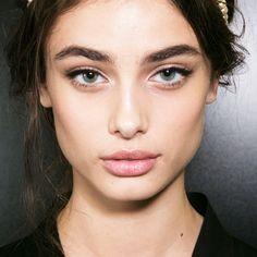 Makeup pros agree: It's time to stop doing this to your eyebrows in 2017.