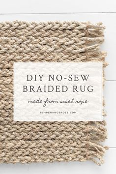 Easy no-sew braided rope rug. This DIY home decor tutorial shows you how to make. Easy no-sew braided rope rug. This DIY home decor tutorial shows you how to make your own rug - no sewing required! Diy Home Decor Easy, Upcycled Home Decor, Rope Crafts, Decor Crafts, Twine Crafts, Diy Tresses, Fall Inspiration, Rope Rug, Costura Diy