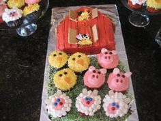 Farm Animals Birthday Party Theme - Farm Party - Old MacDonald Party cupcakes Mcdonalds Birthday Party, Animal Themed Birthday Party, Farm Animal Birthday, Farm Birthday, 3rd Birthday Parties, Birthday Ideas, Birthday Cakes, Farm Animal Cupcakes, Farm Animal Party