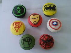 Super Hero Cupcakes! Who is your favorite super hero?