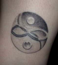 Cute Yin And Yang Symbol Tattoo On Hip photo - 1 Yin Yang Tattoos, Paar Tattoos, Fresh Tattoo, Symbolic Tattoos, Couple Tattoos, Tattoo You, Tattoo Models, Picture Tattoos, Tatting