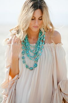 Layers of Turquoise Necklace - I could totally make this