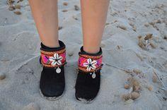 Decorabotas conchas by @freeloveibiza disponible en Ibiza Trendy #tiendaOnline boho chic