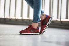 Nike - WMNS Internationalist Premium (rot / lila) - 828404-600