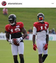 Atlanta Falcons Wide Receiver Julio Jones wearing a SHOC Red and Black  Iridium Football Visor 4a9cf052f5b