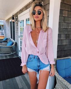 Cute striped shirt with trendy ripped denim shorts. 2019 Cute striped shirt with trendy ripped denim shorts. The post Cute striped shirt with trendy ripped denim shorts. 2019 appeared first on Outfit Diy. Cute Summer Outfits, Holiday Outfits, Spring Outfits, Trendy Outfits, Summer Dresses, Summer Brunch Outfit, Shorts Outfits Women, Summer Ootd, Denim Outfits
