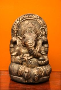 Google Image Result for http://www.interior-design-it-yourself.com/images/indian_interior_design_statue.jpg