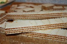 Karamelové oplátky - grilážky (fotorecept) - recept | Varecha.sk Bread, Food, Brot, Essen, Baking, Meals, Breads, Buns, Yemek
