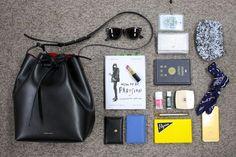 人気企画 ♡ ファッショニスタのバッグの中身を拝見コーナー! 今年のラストは「ヴォーグ・ガール」編集部のバッグの中身を初公開しちゃいます!