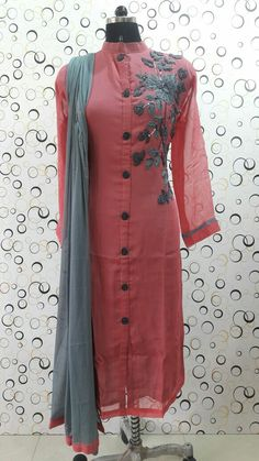 MoiFash Pakistani Dresses, Indian Dresses, Indian Outfits, Stylish Dresses, Simple Dresses, Casual Dresses, Dress Indian Style, Indian Wear, Kurta Designs
