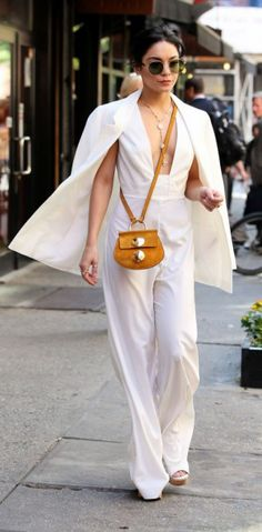 Vanessa Hudgens en total look blanc, sublime !