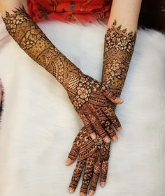 Mehndi By Naaz I am a selftaught henna artist based in Leicester. Specialising in bridal henna and bespoke henna decorated items. Wedding Henna Designs, Khafif Mehndi Design, Mehandhi Designs, Engagement Mehndi Designs, Latest Bridal Mehndi Designs, Back Hand Mehndi Designs, Full Hand Mehndi Designs, Mehndi Designs 2018, Stylish Mehndi Designs